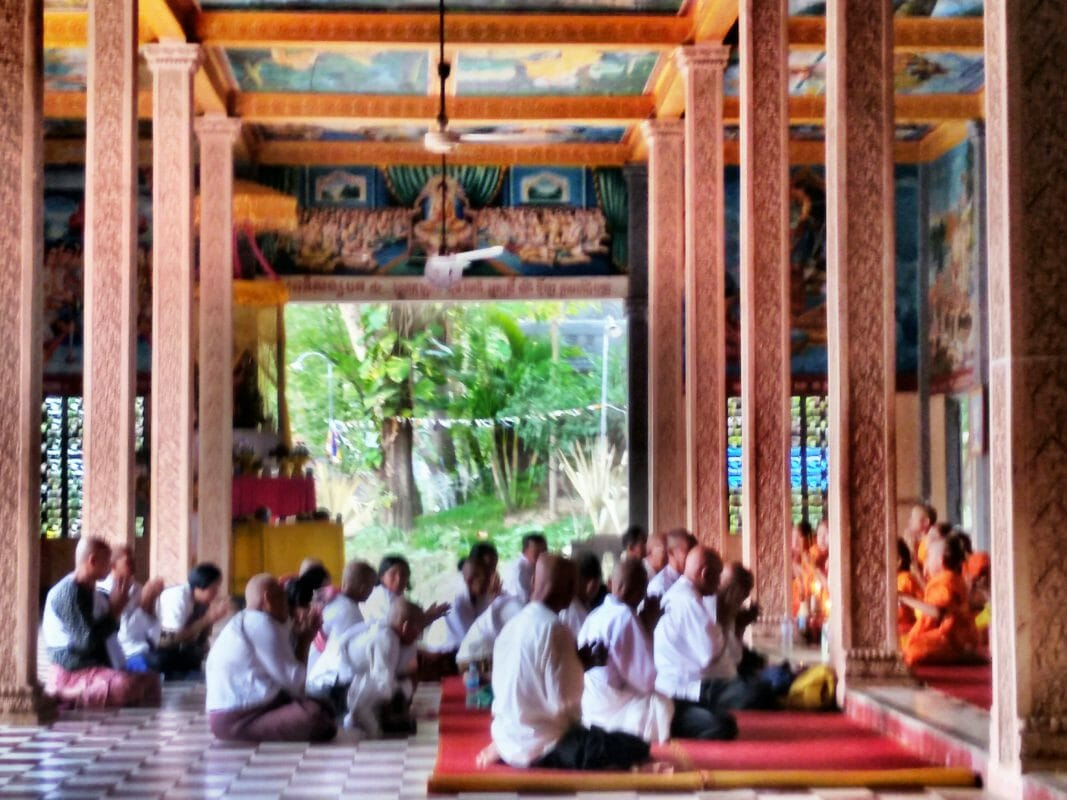 temple yoga blue indigo retreat siem reap